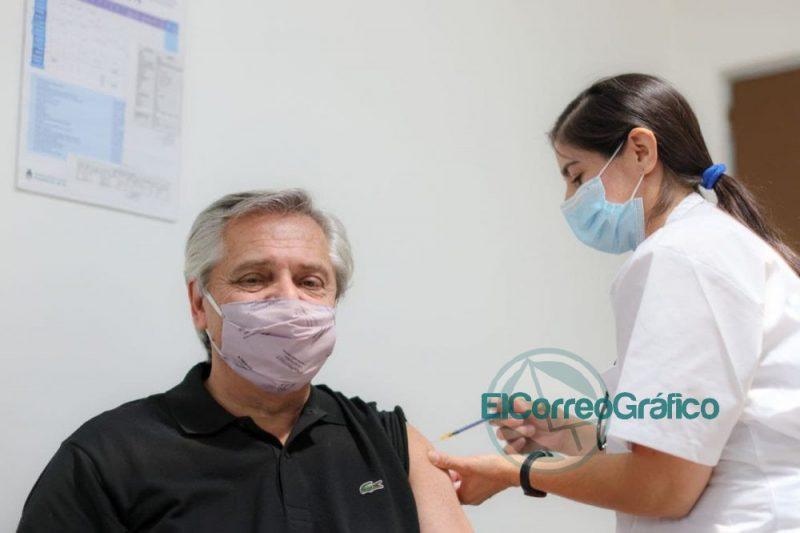 Fernandez recibio la primera dosis de la vacuna Sputnik V
