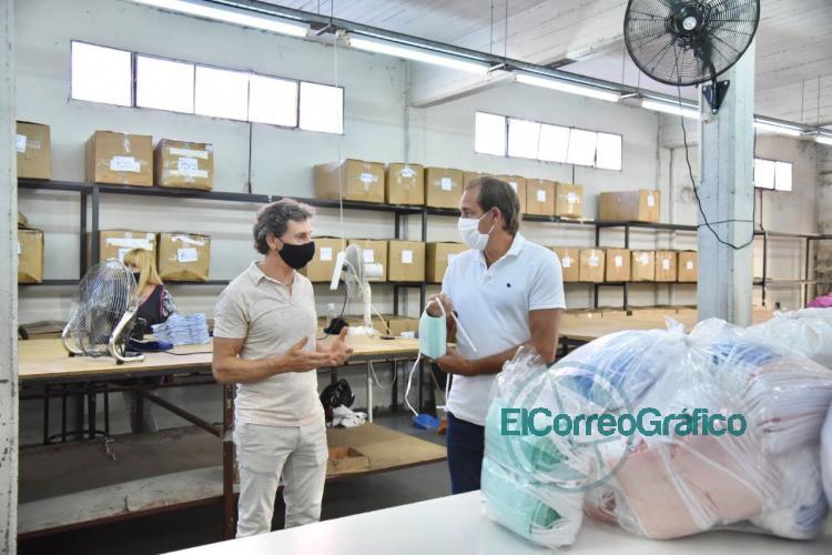 Garro visito la fabrica textil de 'Tiza y destaco la reinvencion de la empresa 2