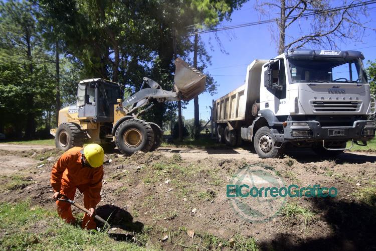 La Plata retomo las obras viales con la pavimentacion de una arteria entre City Bell y Villa Elisa 2