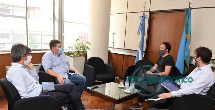 Pablo Lopez con el intendente de General Pueyrredon Guillermo Montenegro