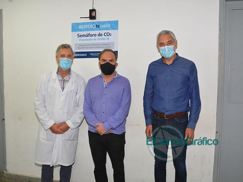 Cagliardi inauguro la instalacion de un sensor de dioxido de carbono en el Hospital 4