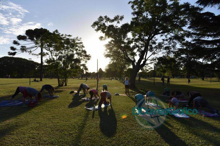 En febrero continuan las clases gratuitas de entrenamiento funcional yoga y ritmos latinos 5