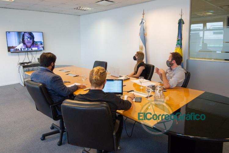 Lopez y Vila iniciaron el dialogo con los gremios docentes11