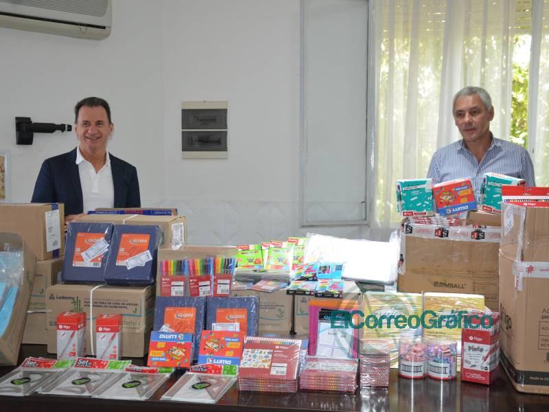 TecPlata dono utiles escolares a Cagliardi 1