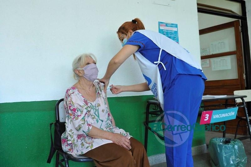 Vacunacon cin la Sputnk V en Ensenada 1