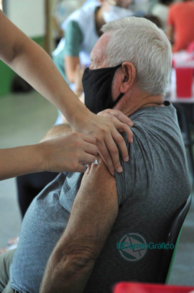 Vacunacon cin la Sputnk V en Ensenada 3