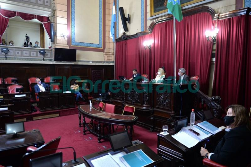 Bianco presento el informe del Ejecutivo ante la Bicameral de la Legislatura 08
