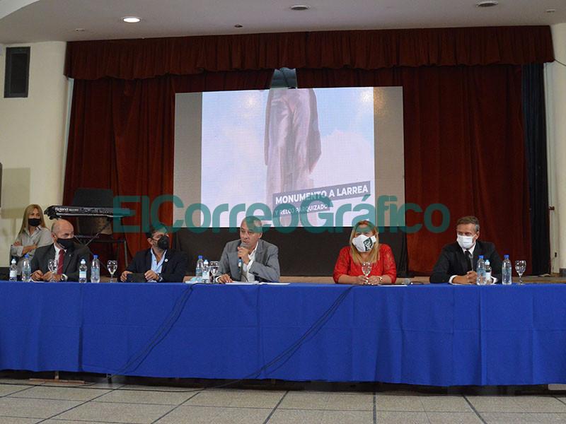 Cagliardi chapurreo mucho en su discurso de apertura de Sesiones Ordinarias del Concejo Deliberante 9