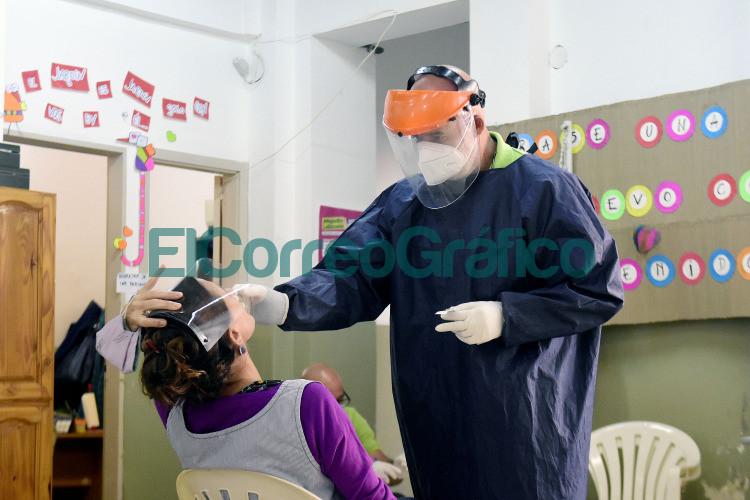 Continuan los testeos de Covid 19 al personal educativo del Municipio 3