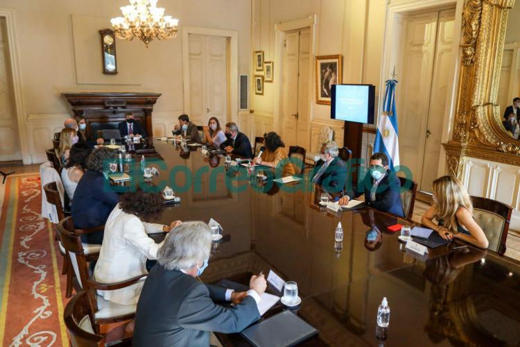 El Presidente encabezo la reunion del Comite de Vacunacion contra el coronavirus 2