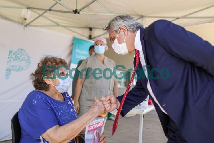 Fernandez con Kicillof en el Hospital del Bicentenario de Ituzaingo 2