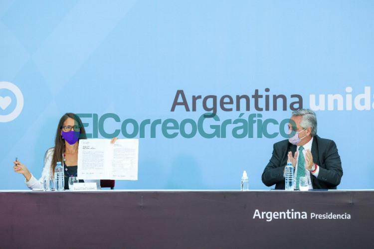 Fernandez firmo de acta con gobernadores en el Dia Internacional de la Mujer