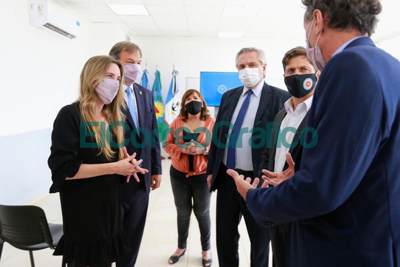 Fernandez y Kicillof inauguraron el nuevo edificio de un instituto de formacion docente 4
