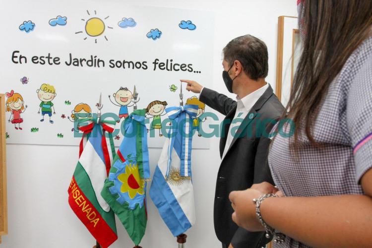 Kicillof Trotta y Vila inauguraron el ciclo lectivo en la Ensenada de Secco