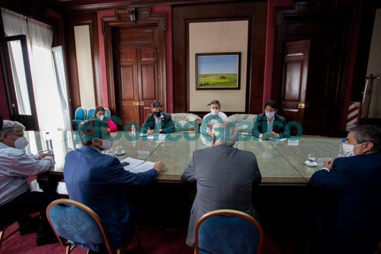Kicillof y Costa recibieron a representantes de la industria para profundizar el trabajo conjunto 4
