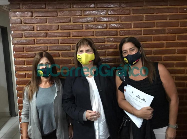 Patricia Bullrich visito la ciudad de Ensenada para presentar su libro 2