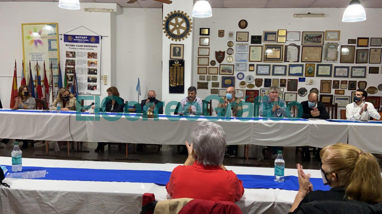 Patricia Bullrich visito la ciudad de Ensenada para presentar su libro 5
