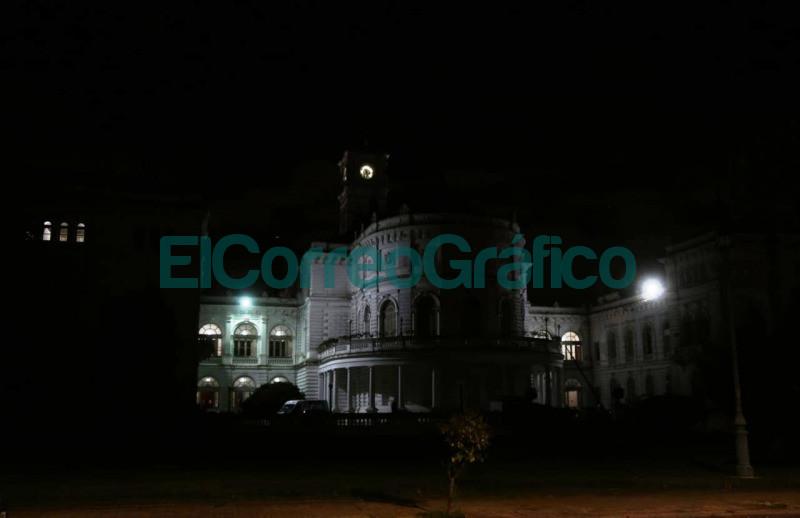 Se apagaron las luces del Palacio Municipal para concientizar sobre el cambio climatico 1