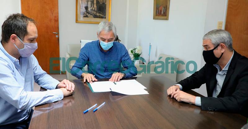 Cagliardi y Ferraresi firmaron un convenio en el marco del PROMEBA 4