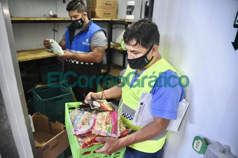 Clausuran supermercado en San Carlos que adulteraba los vencimientos de los alimentos 3