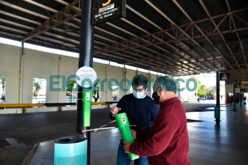 El Municipio coloco eco ceniceros y planto nuevos arboles en la Terminal de Omnibus 2