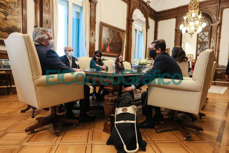 Fernandez con las autoridades de la Agencia Nacional de Discapacidad
