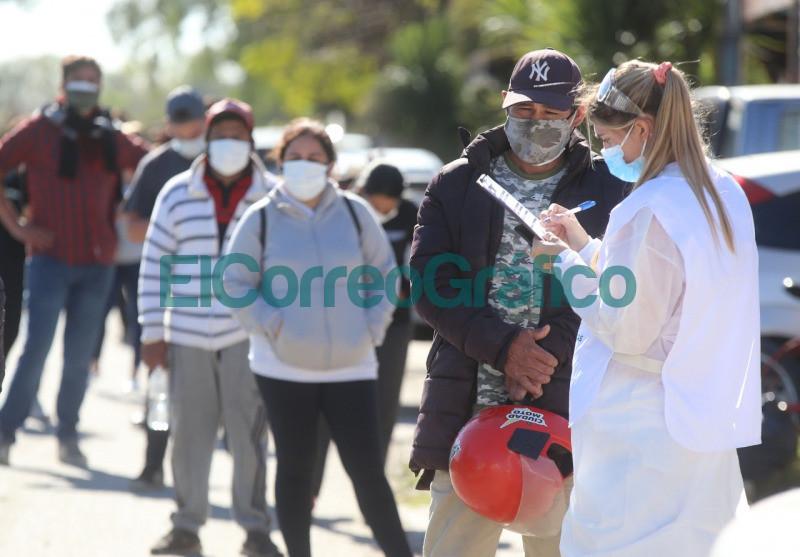 Operativos sanitarios en barrios platenses por el coronavirus