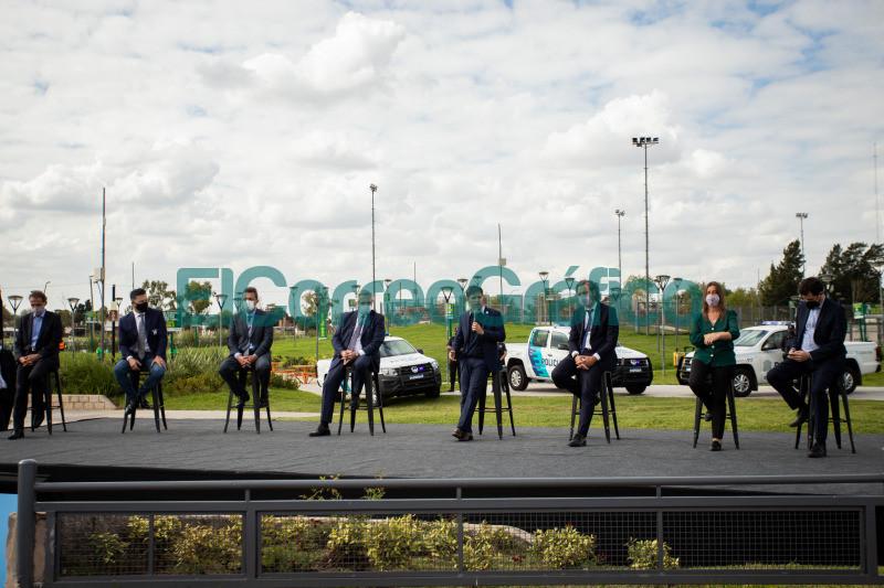 Paradas Seguras y 60 nuevos patrulleros para Merlo 07