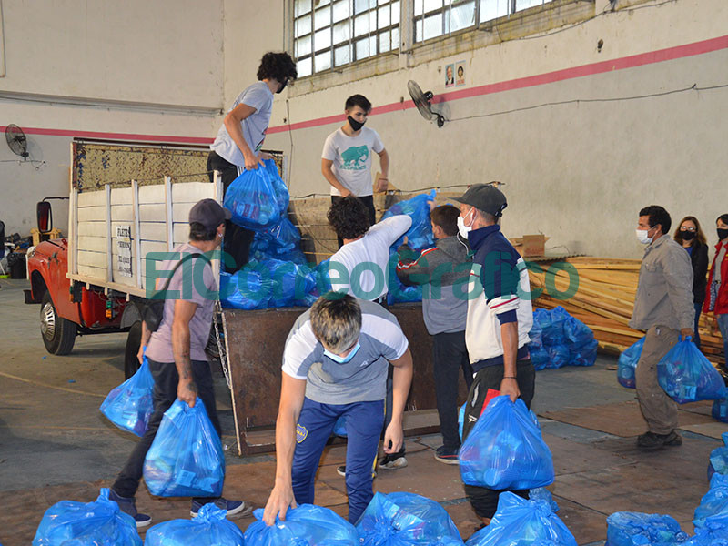 SAE Berisso entregaron 8.300 bolsones de alimentos 1