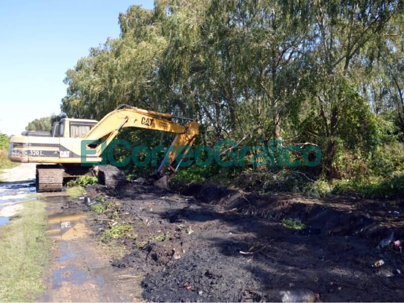 Saneamiento hidraulicos de limpieza y mejorado de calles en La Franja 3