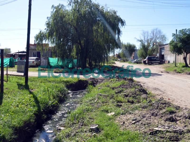 Saneamiento hidraulicos de limpieza y mejorado de calles en La Franja 4