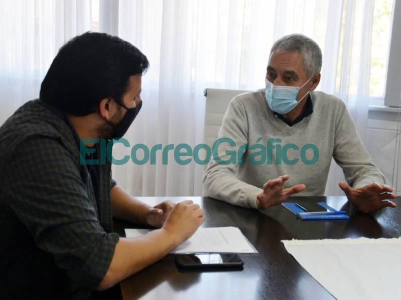 Cagliardi recibio al senador bonaerense de La Campora Emmanuel Gonzalez Santalla 1