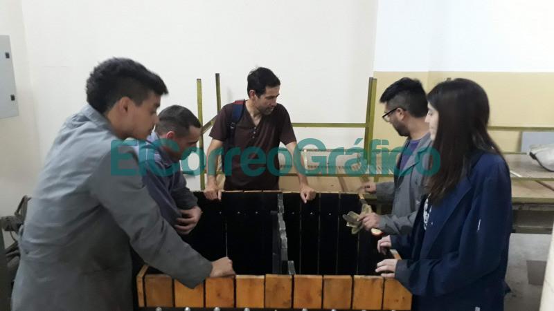 Construccion de compostera para la Facultad de Ingenieria con el Ing. Agron. Telmo Palancar.