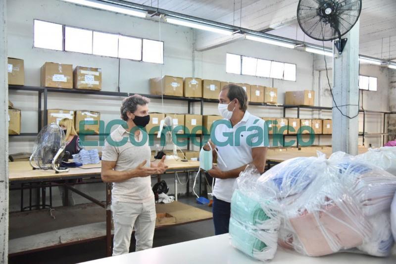 Donacion de insumos medicos por parte de la fabrica textil 'Tiza