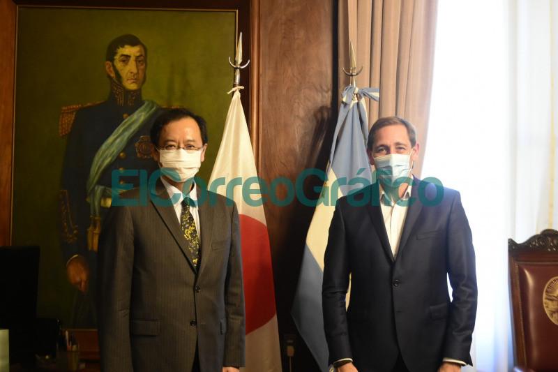 Garro con el Embajador de Japon 2