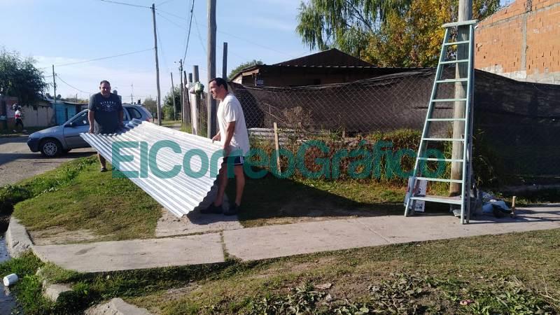 Los vecinalista de VAMOS instalaron 2 paradas de colectivos 02