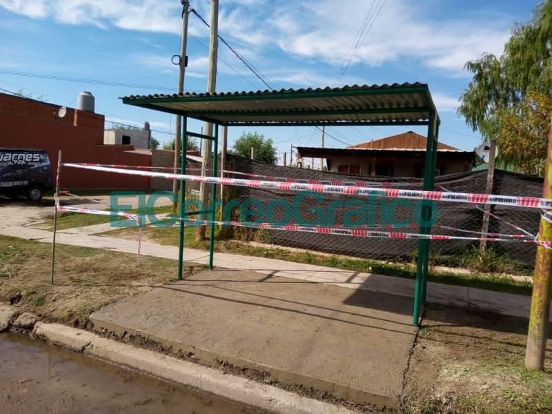 Los vecinalista de VAMOS instalaron 2 paradas de colectivos 06