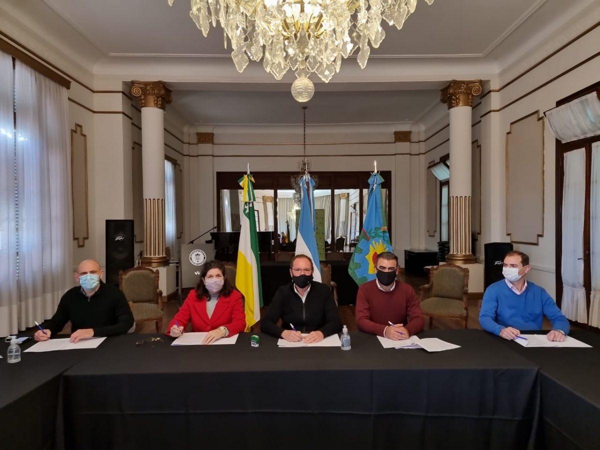 Municipios y Provincia firman un acuerdo de cooperacion para fortalecer la Economia Popular