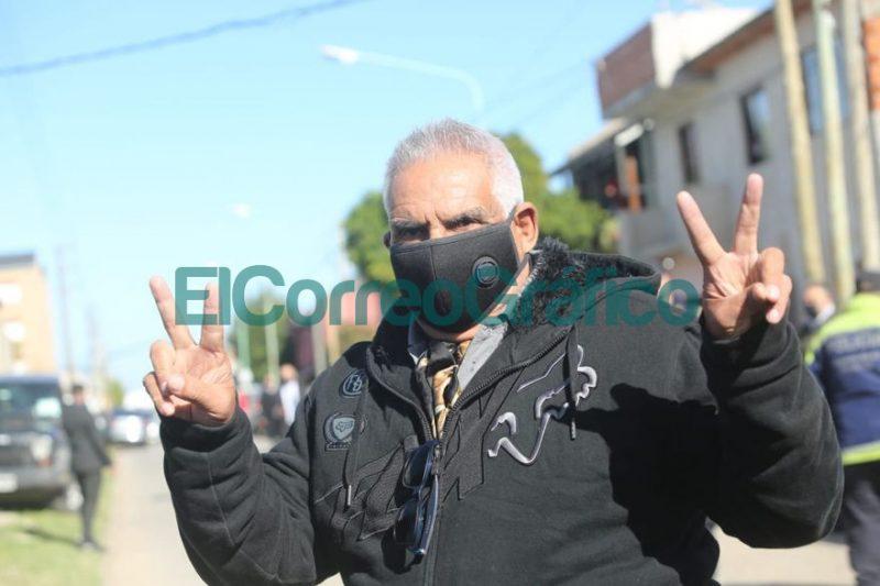Pata Medina intento ingresar al acto del rejunte politico de Secco