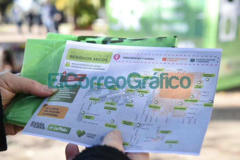 Se instalo un nuevo punto fijo de reciclaje en Plaza Alsina 📬 El Correo Grafico 5