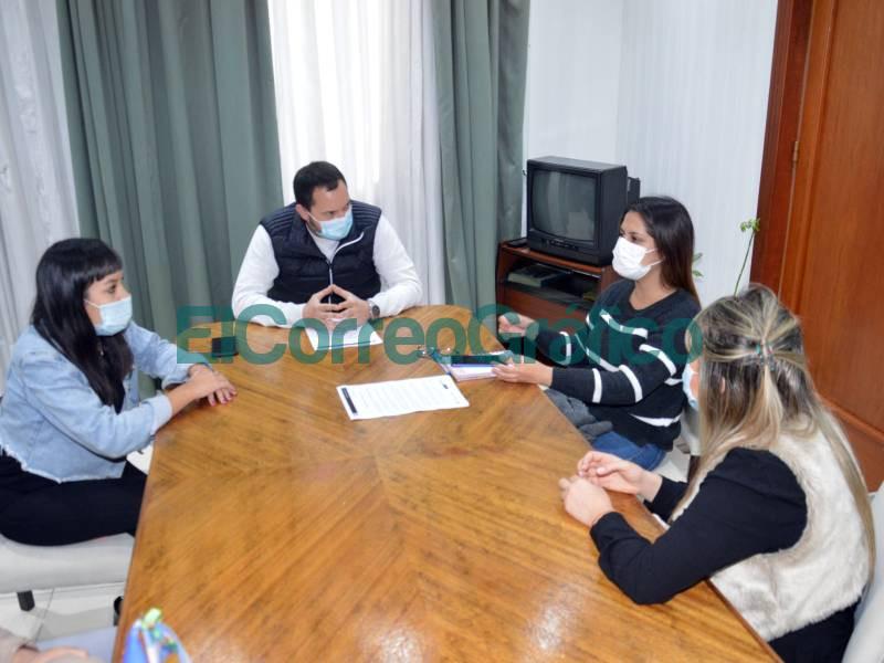 Visita de la directora Provincial de Juventudes 📬 El Correo Grafico