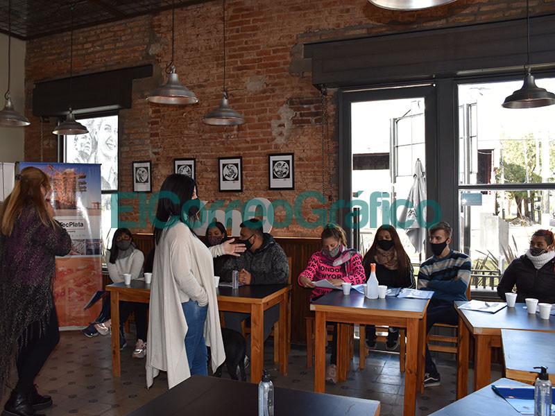 Capacitacion a jovenes para la reactivacion gastronomica y turistica de la Calle Nueva York3