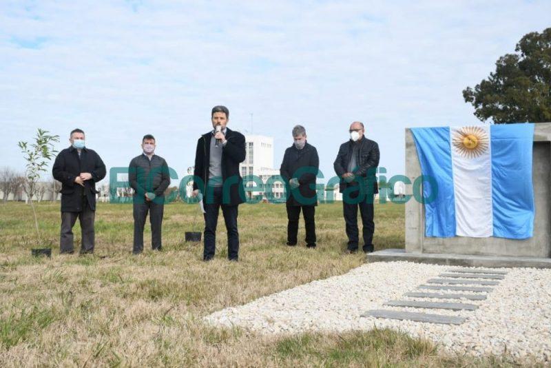ABSA reconocio a sus empleados Veteranos de Guerra y planto arboles en homenaje a los Heroes de Malvinas 6