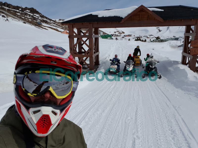 Ascenso al volcan Copahue en moto de nieve una experiencia inolvidable 01