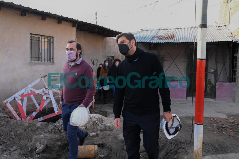 Bianco y Barrios pasearon por obras y programas de reurbanizacion en Lanus 03