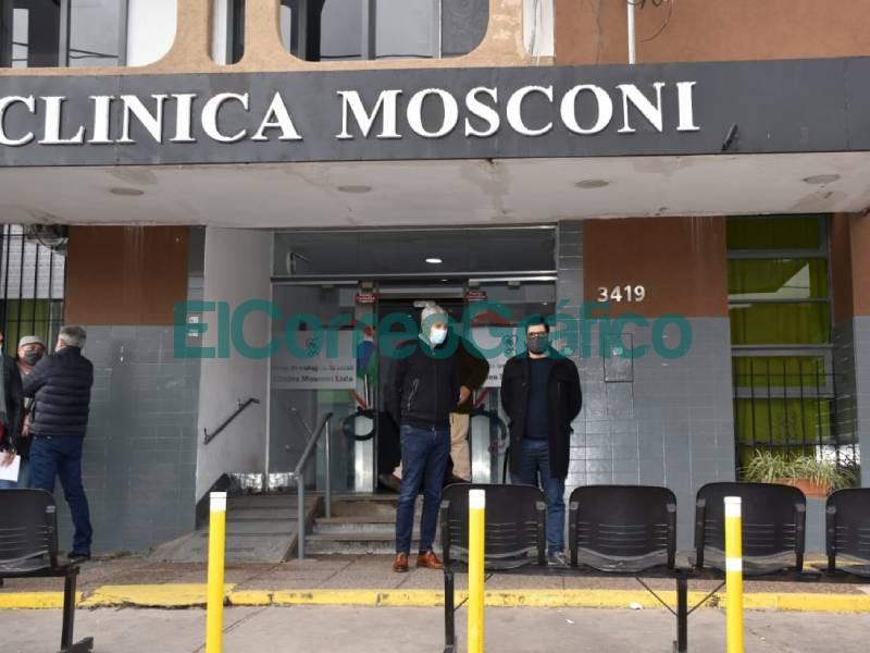 Cagliardi y Giles pasearon por la Clinica Mosconi para afianzar la expropiacion 1
