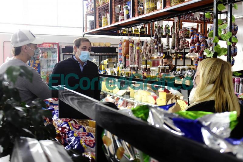Garro recorrio el nuevo Mercado Diagonales 1