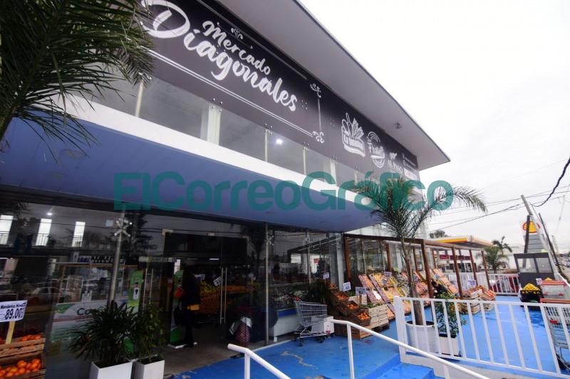Garro recorrio el nuevo Mercado Diagonales 2