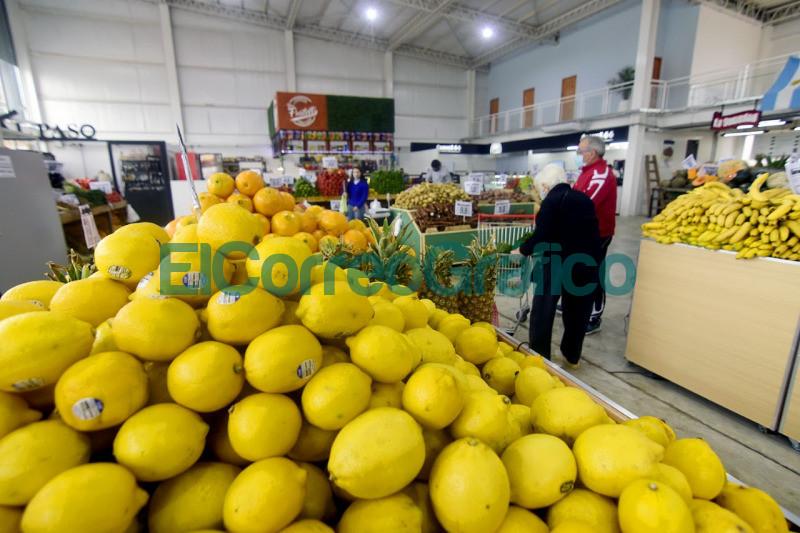 Garro recorrio el nuevo Mercado Diagonales 4