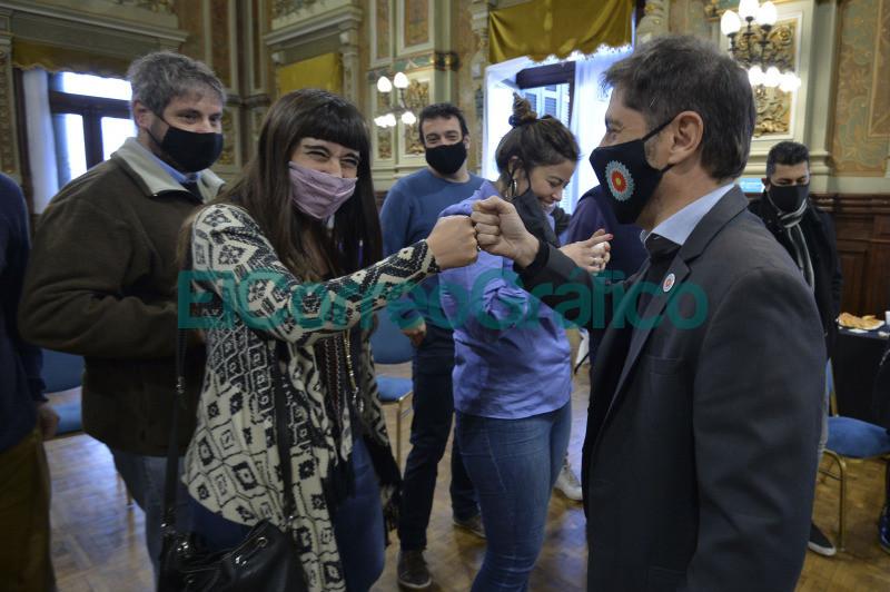 Kicillof y su saludo en el Dia del Periodista 02